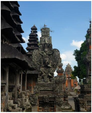 Culture and swimming in Bali 2