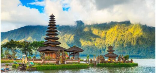 Culture and swimming in Bali